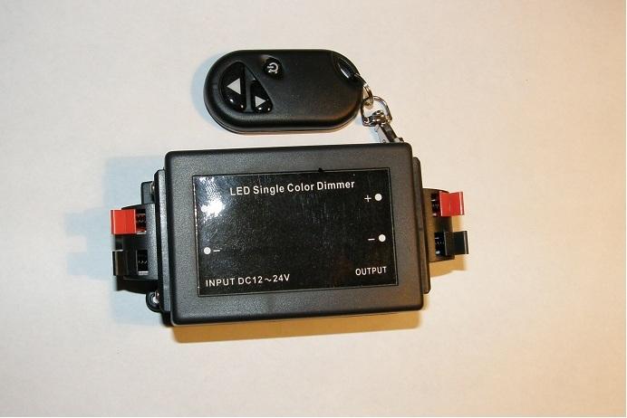 Dimmer regolatore di luminosità per lampade LED monocolore
